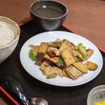 李湘潭 湘菜館 - 香乾炒肉(おしどうふとぶたにくいため)一式(ひとそろひ)