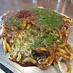 もみじ屋 - 肉玉いか天ウドン 950円