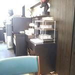 エール・エル ワッフル カフェ - ナプキン、食器類はセルフ。フードコート方式。