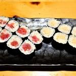 すし屋魚真 - 鉄火巻き、納豆巻き