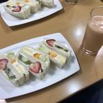 フルーツパーラーヤオイソ - 料理写真:スペシャルフルーツサンドセット
