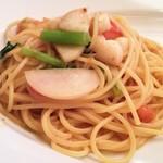 92618105 - 岩槻産野菜入り小柱とフレッシュトマトのスパゲッティ