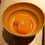 9262567 - 人参豆腐(食べかけ)