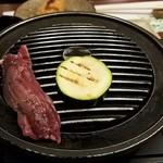 一蔵 - 和牛ハラミの鉄板焼 旬菜添え自分で焼き焼きする