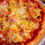 アリス - 薄いピザ生地にたっぷりのチーズ♪