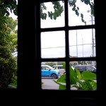 アリス - 窓から愛車を眺める♪