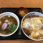 和風レストラン まるまつ - 料理写真:絶対お得ランチ  かつ丼とミニそば