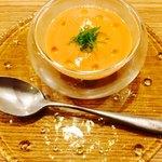 92630614 - (アミューズ)パプリカ、トマト、ミントの冷製スープ