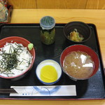 めしや 頂 - 料理全景