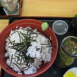 めしや 頂 - ご飯と主菜の瓶アップ