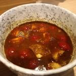 拉麺 大公 - トマトとバジルのみそつけ麺のつけ汁