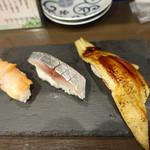 すしいち - 赤貝(216円)、〆サバ(108円)、穴子(216円)