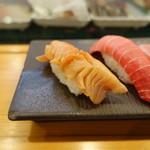 大塚 寿し常 - 赤貝(350円)
