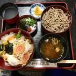 平和そば本店 - 料理写真:親子丼セット