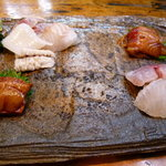 Shiduka - お刺身(きんめ漬け、蝦蛄、平目、鰺、鯛、烏賊、岩海苔)