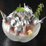 新秋刀魚の刺身