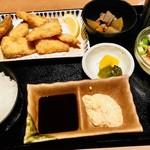 須崎魚河岸 魚貴 - 地魚のミックスフライ定食