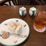 ヒロ クランツ - 白桃のケーキ