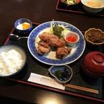 和久 - 料理写真:鶏の唐揚げセット/700円