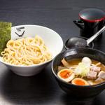 クリーミーTonkotsuラーメン 麺家 神明 - 料理写真: