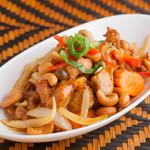 クワンチャイ タイ食堂茶屋町店 - 鶏のカシューナッツ炒め