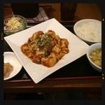 東和酒場 - 四川麻婆豆腐定食 680円