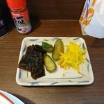 仙台中華 織田屋 - サービスで5種類のお漬物があります