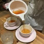 ザ・クリーム・ティーズ・スプーン・ファーム・ハウス - 紅茶