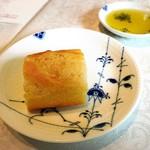 GRILL UKAI MARUNOUCHI - コースのパン(お代わり自由)