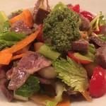 ゲレロ - 茹でた牛ほほ肉と香味野菜のサラダ