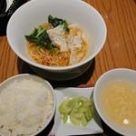 華菜樓 - セットのミニワンタン麺とご飯とスープ