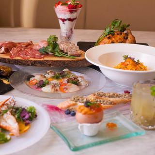 食材を生かした料理、美と健康を意識したメニューもご用意。