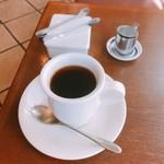 アルト - ケーキセットのホットコーヒー
