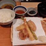 串天ぷら 段々屋 - 天ぷら定食(竹)@950