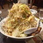 天海 - ラーメン大の麺200g増量、野菜増し増し
