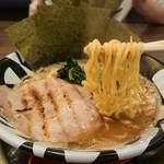麺作ブタシャモジ - 豚そば(麺かため)