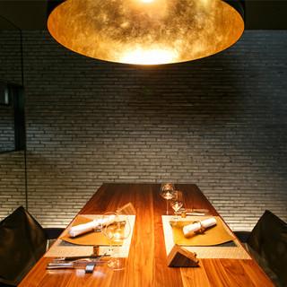 存分に美食と向き合うひと時。広尾の民家を改装した心地よい空間