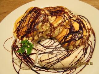 ヨーキーズブランチ 神戸元町店 - チョコ&バナナパンケーキ