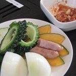 9268506 - サービスの野菜盛りとキムチ♪最初だけ?