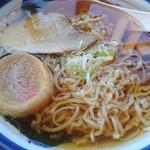 うの食堂 - 料理写真:煮干しのスープひと口啜ると「あ~」に点々の声が出ますw このピロピロ麺が美味いです♪