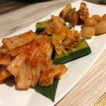 焼肉 粋 - キムチ盛り 1,000円
