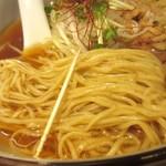 麺やひだまり - 醤油細麺の細さ
