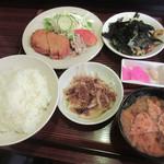 足助 - 料理写真:日替定食[ハムカツ、まぐろ納豆](2018/09/12撮影)
