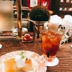 茶亭 羽當 - アイスティーとベイクドチーズケーキ