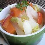 フランス食堂 フーヴェール - さわやかな酸味のピクルス