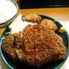 とんかつ春 - 料理写真:ロースかつ定食(税込1200円)にホタテフライ2個を450円(税込)でつけてもらいました。