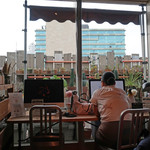ハンズカフェ - サボテンと空が見える・・