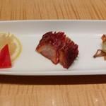 92698632 - 美味冷碟子 チャイニーズオードブル  クラゲと野菜のさっぱり漬け、チャーシュー、ナスと獅子唐の辛味ソースがけ