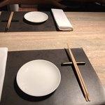 ミモザ - テーブルセッティング