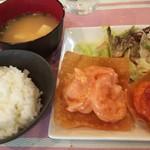 創刻Dining ごえん - エビチリ・エビマヨランチのメイン(2018.09.14)